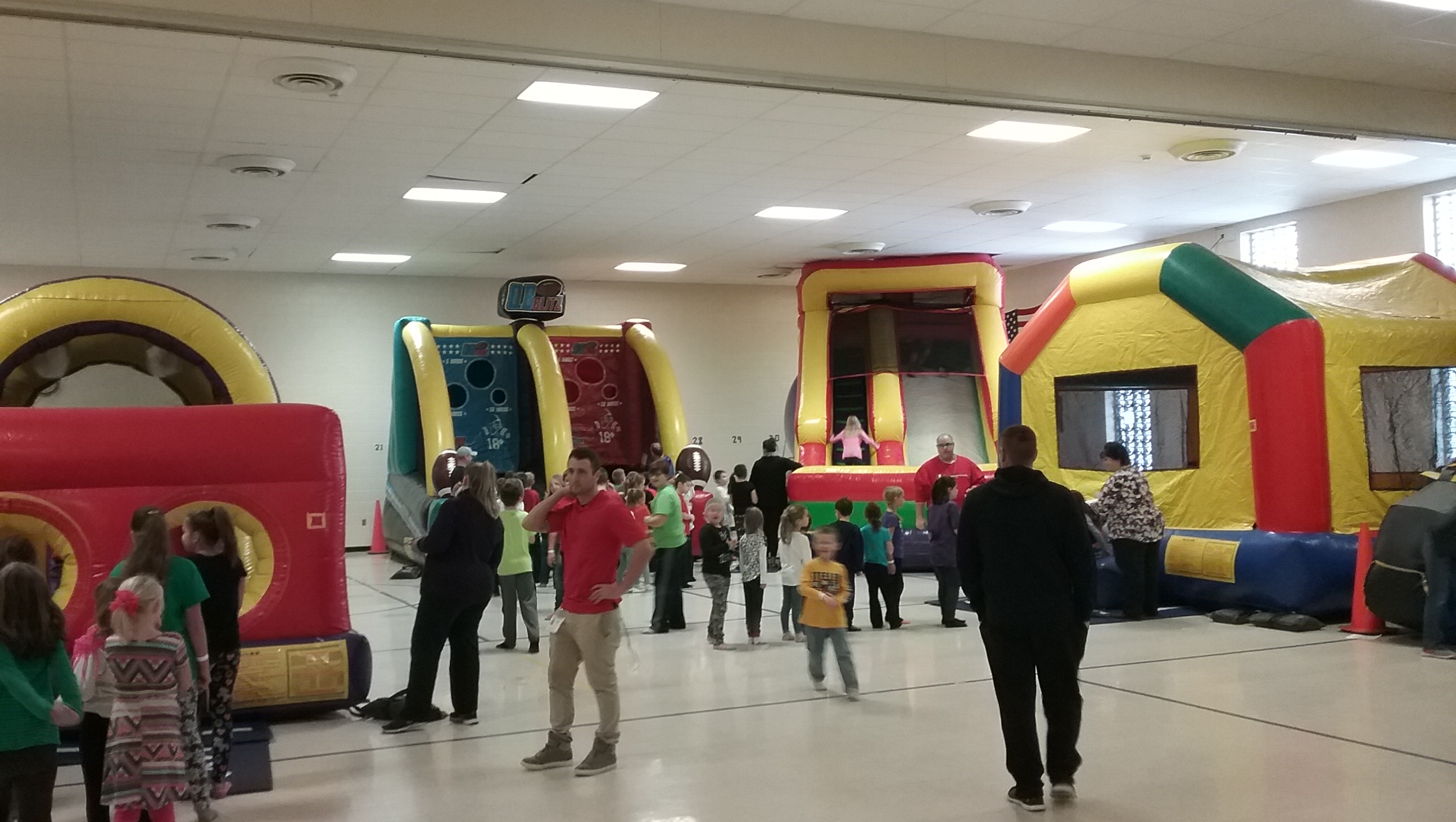 Cambria Elementary students enjoying super party
