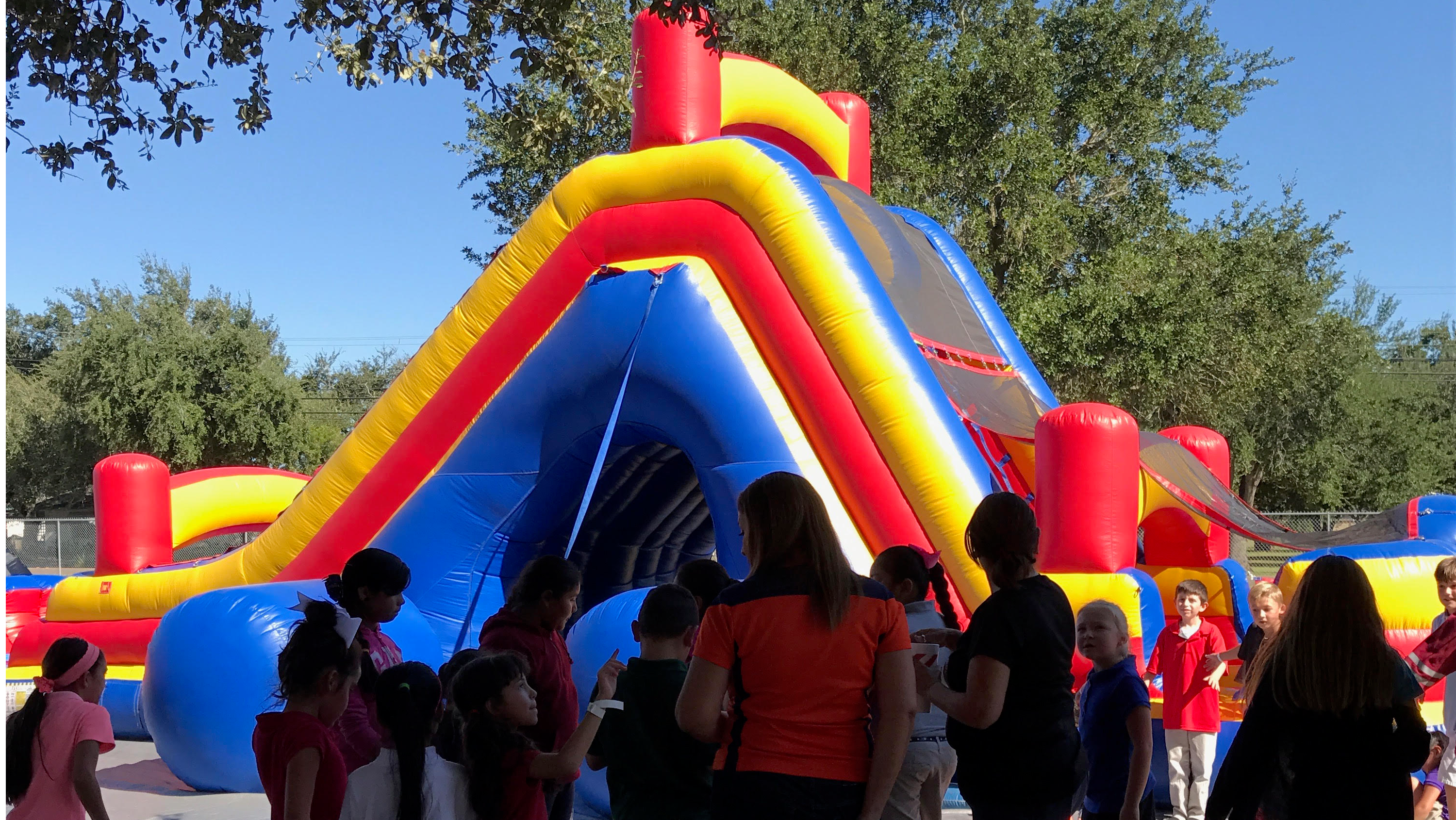 Memorial Elementary students enjoying super party